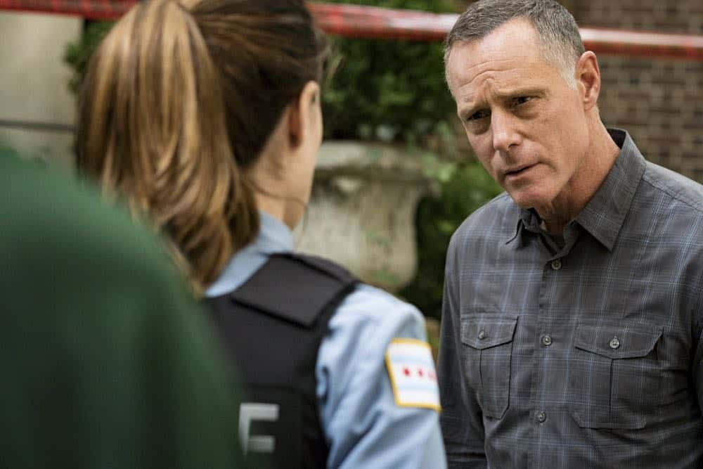 "CHICAGO P.D. -- ""Ride Along"" Episode 604 -- Pictured: Jason Beghe as Hank Voight -- (Photo by: Matt Dinerstein/NBC)"