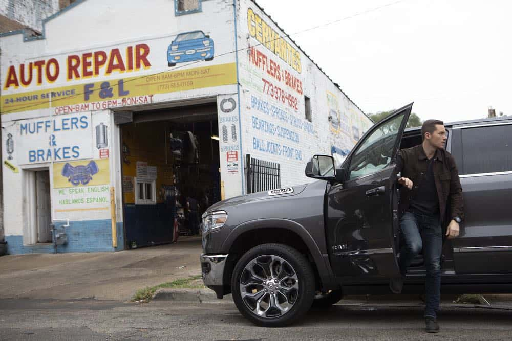 "CHICAGO P.D. -- ""Ride Along"" Episode 604 -- Pictured: Jesse Lee Soffer as Jay Halstead -- (Photo by: Adrian Burrows/NBC)"