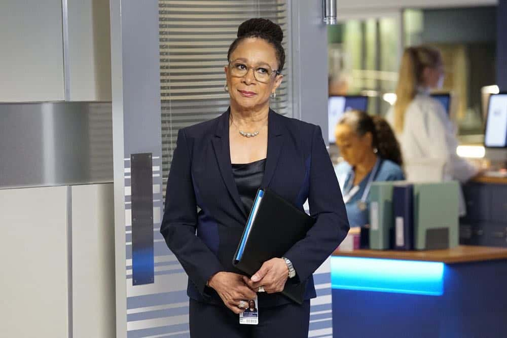 "CHICAGO MED -- ""Backed Against The Wall"" Episode 404 -- Pictured: S. Epatha Merkerson as Sharon Goodwin -- (Photo by: Elizabeth Sisson/NBC)"