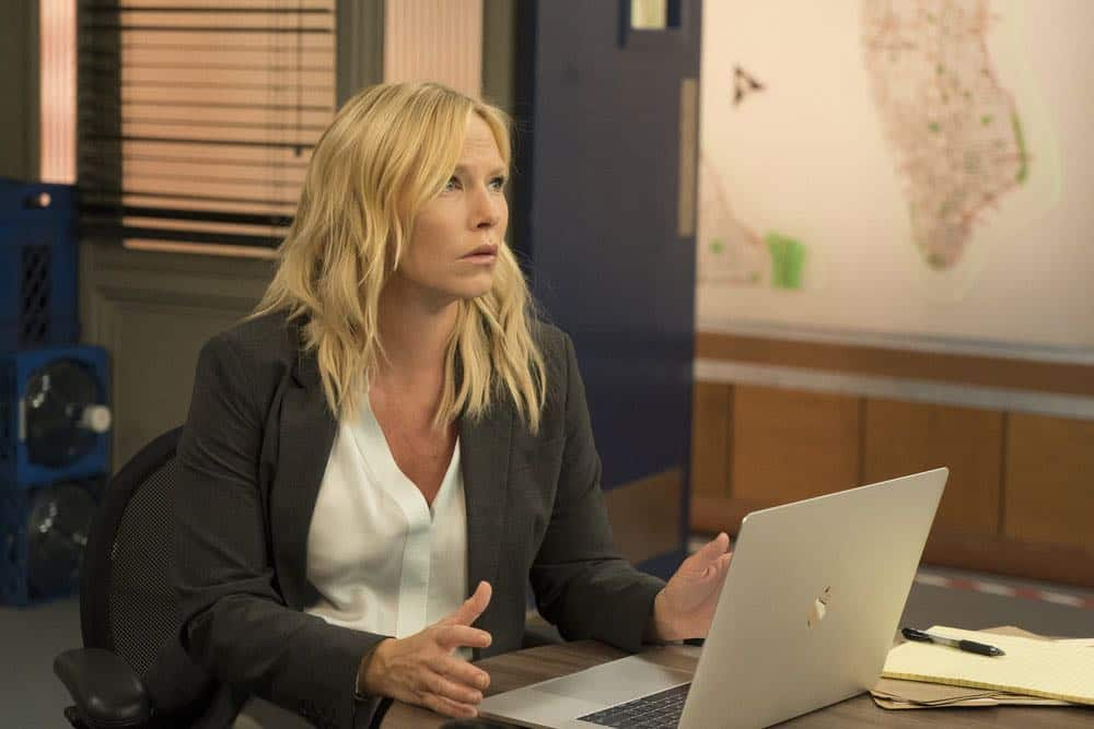 """LAW & ORDER: SPECIAL VICTIMS UNIT -- """"Accredo"""" Episode 2005 -- Pictured: Kelli Giddish as Detective Amanda Rollins -- (Photo by: Barbara Nitke/NBC)"""