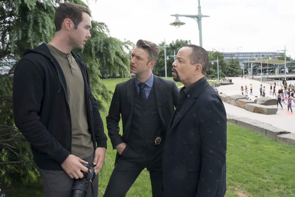 """LAW & ORDER: SPECIAL VICTIMS UNIT -- """"Accredo"""" Episode 2005 -- Pictured: (l-r) Chase Burnett as Tyler Goodrich, Peter Scanavino as Dominick """"Sonny"""" Carisi, Ice T as Odafin """"Fin"""" Tutuola -- (Photo by: Barbara Nitke/NBC)"""