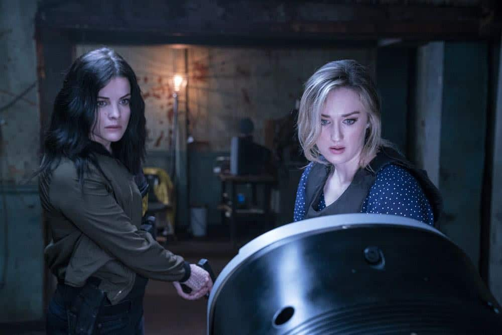 "BLINDSPOT -- ""My Art Project"" Episode 402 -- Pictured: (l-r) Jaimie Alexander as Jane Doe, Ashley Johnson as Jane Doe -- (Photo by: David Giesbrecht/NBC/Warner Bros.)"