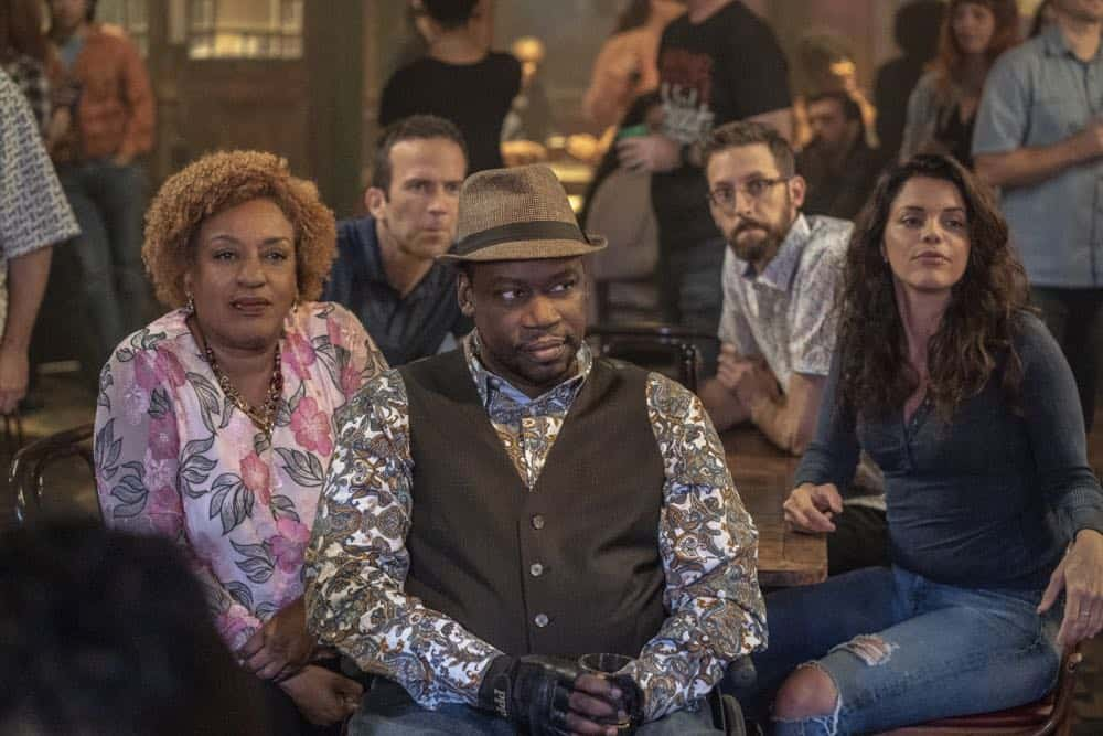 """""""In the Blood"""" - Pride's father, Cassius Pride (Stacy Keach), is wrapped up in an NCIS case involving a notorious unsolved casino heist from several years ago. Also, Pride meets a family member he never knew existed, on the milestone 100th episode of NCIS: NEW ORLEANS, Tuesday, Oct. 23 (10:00-11:00 PM, ET/PT) on the CBS Television Network. Pictured L-R: CCH Pounder as Dr. Loretta Wade, Lucas Black as Special Agent Christopher LaSalle, Daryl Chill Mitchell as Patton Plame, Rob Kerkovich as Forensic Scientist Sebastian Lund, and Vanessa Ferlito as FBI Special Agent Tammy Gregorio Photo: Skip Bolen/CBS ©2018 CBS Broadcasting, Inc. All Rights Reserved"""