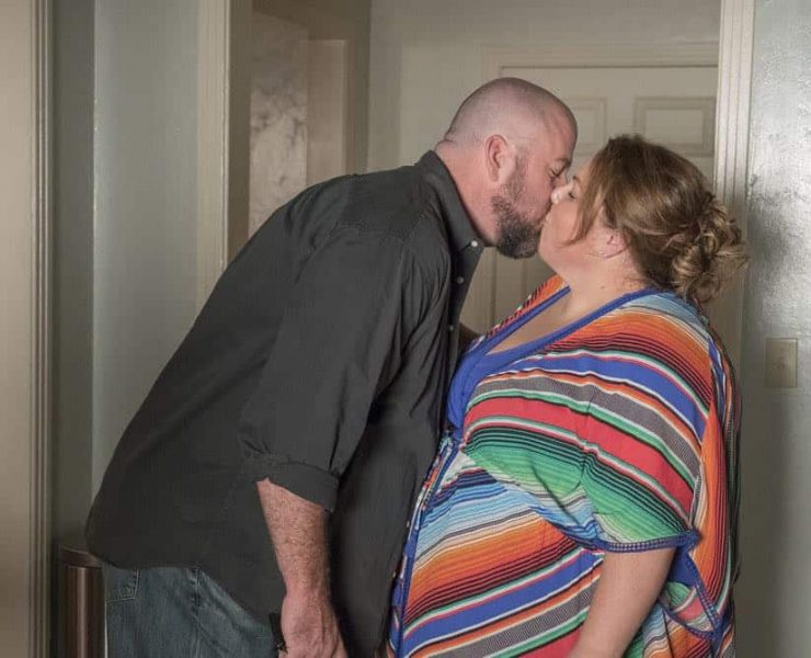 "THIS IS US -- ""Toby"" Episode 305 -- Pictured: (l-r) Chris Sullivan as Toby Damon, Chrissy Metz as Kate Pearson -- (Photo by: Ron Batzdorff/NBC)"