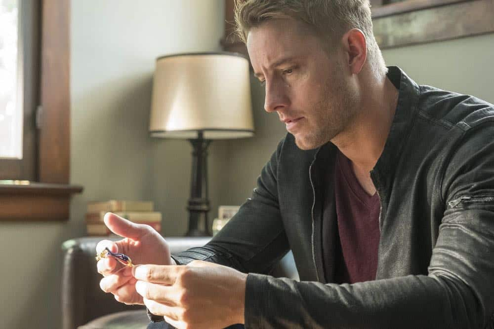 "THIS IS US -- ""Toby"" Episode 305 -- Pictured: Justin Hartley as Kevin Pearson -- (Photo by: Ron Batzdorff/NBC)"