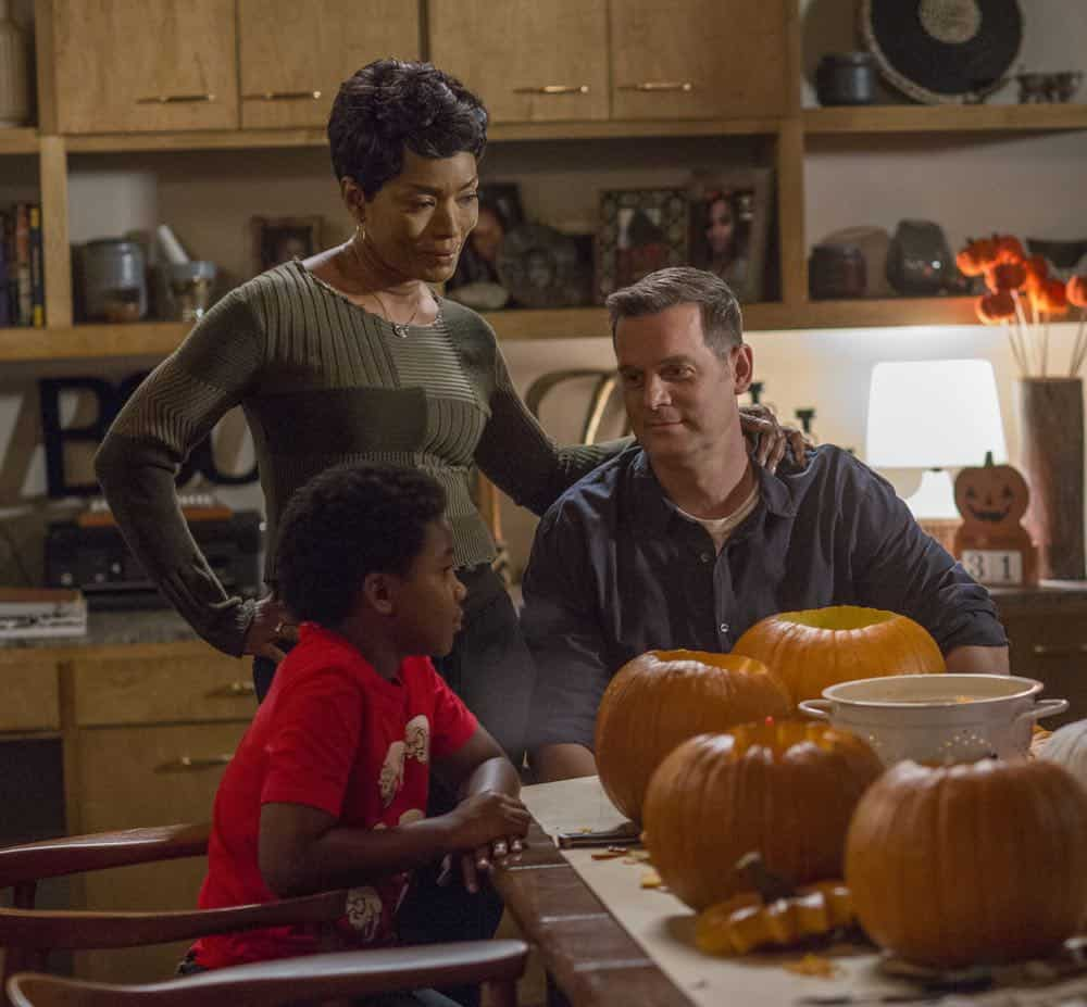 "9-1-1: L-R: Marcanthonee Jon Reis, Angela Bassett and Peter Krause in the ""Haunted"" episode of 9-1-1 airing Monday, Oct. 29 (9:00-10:00 PM ET/PT) on FOX. © 2018 FOX Broadcasting. CR: Jack Zeman / FOX."