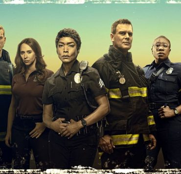 9-1-1: The two-night season premiere of 9-1-1 begins Sunday, Sept. 23 (8:00-9:00 PM ET/live in all time zones) on FOX, immediately following the NFL ON FOX doubleheader. Night Two airs Monday, Sept. 24 (9:00-10:00 PM ET/PT), in its regular time period. Pictured (L-R): Rockmond Dunbar, Oliver Stark, Jennifer Love Hewitt, Angela Bassett, Peter Krause, Aisha Hinds, Ryan Guzman, and Kenneth Choi. CR: Mathieu Young/ FOX. © 2018 FOX Broadcasting.